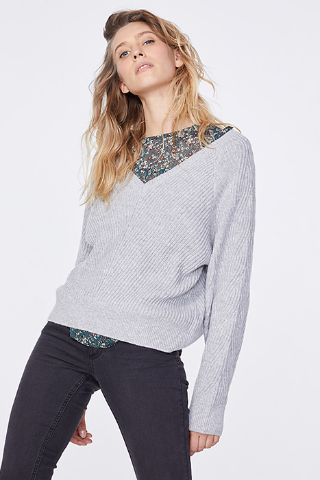 Grey baggy fit v-neck sweater heather gray